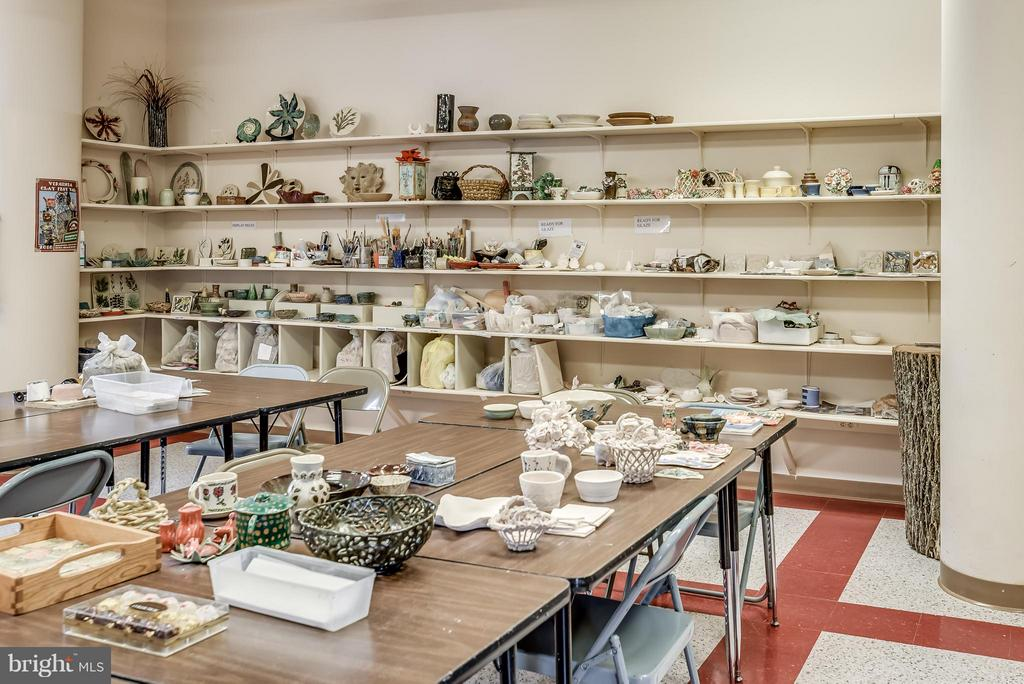 Ceramic Studio in LW Clubhouse - 19385 CYPRESS RIDGE TER #801, LEESBURG