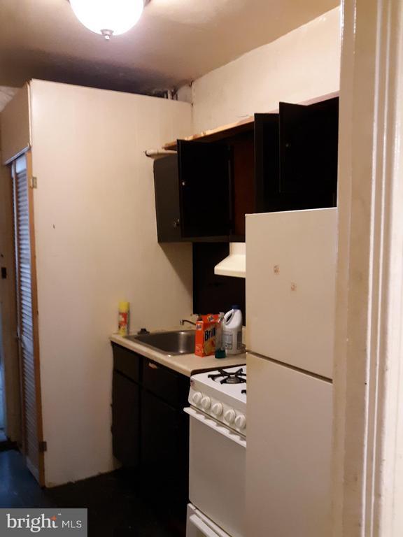 Kitchen unit 1 - 1314NE NE ORREN ST NE, WASHINGTON