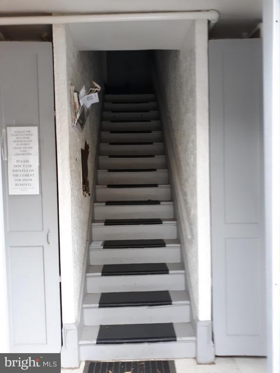 Interior stairway - 1314NE NE ORREN ST NE, WASHINGTON