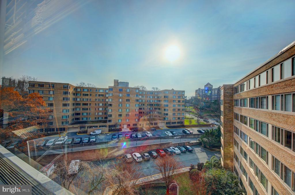 Studio with a View - 4101 CATHEDRAL AVE NW #1112, WASHINGTON