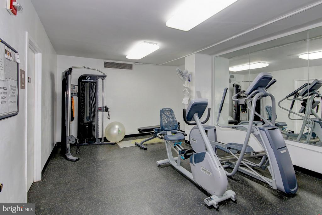 Exercise Room - Renovated and Fresh - 4101 CATHEDRAL AVE NW #1112, WASHINGTON