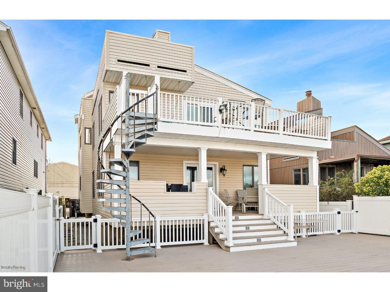 Частный односемейный дом для того Продажа на 611A W BURK AVE #A Wildwood, Нью-Джерси 08260 Соединенные Штаты