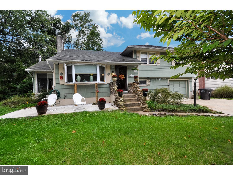 Частный односемейный дом для того Продажа на 104 N WEST BLVD Newfield, Нью-Джерси 08344 Соединенные Штаты