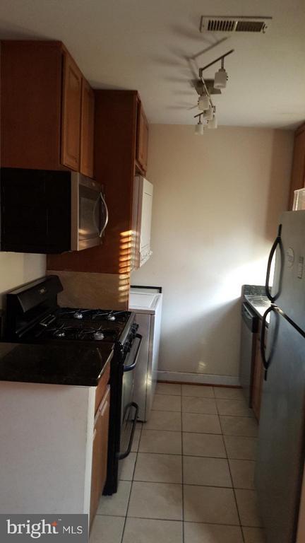Kitchen - 2507 KENT TOWN PL #B, LANDOVER