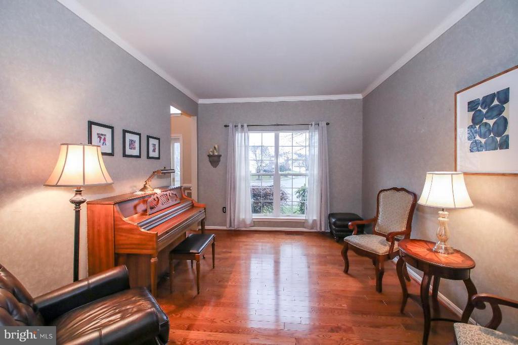 Living Room - 109 LAKE VIEW WAY NW, LEESBURG
