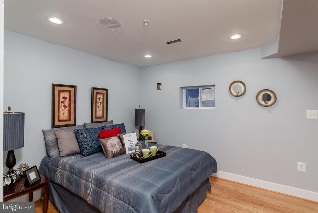 Basement Bedroom - 225 BRYANT ST NE, WASHINGTON