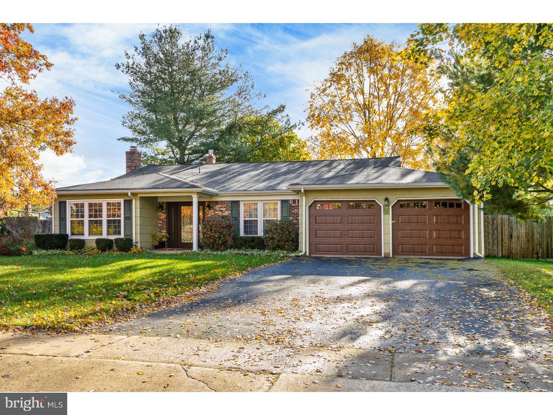 Частный односемейный дом для того Продажа на 12 DAVID Drive Ewing, Нью-Джерси 08638 Соединенные ШтатыВ/Около: Ewing Township