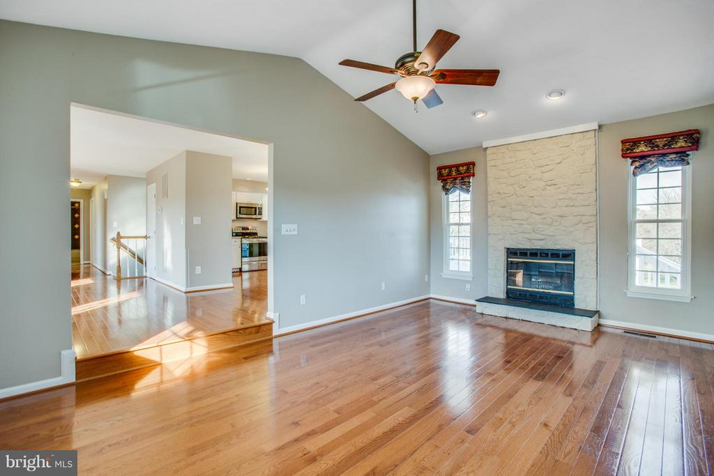 Step down family room with vaulted ceilings. - 79 CROWN MANOR DR, STAFFORD