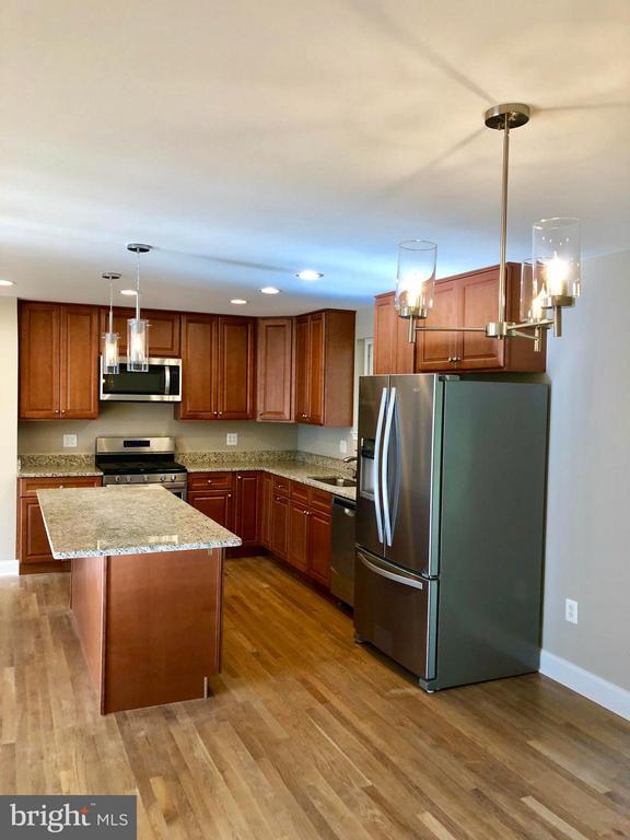 Kitchen - 10028 LLEWELLYN CT, FAIRFAX