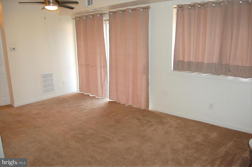 Living room - 17 - B WATER ST #23, GAITHERSBURG