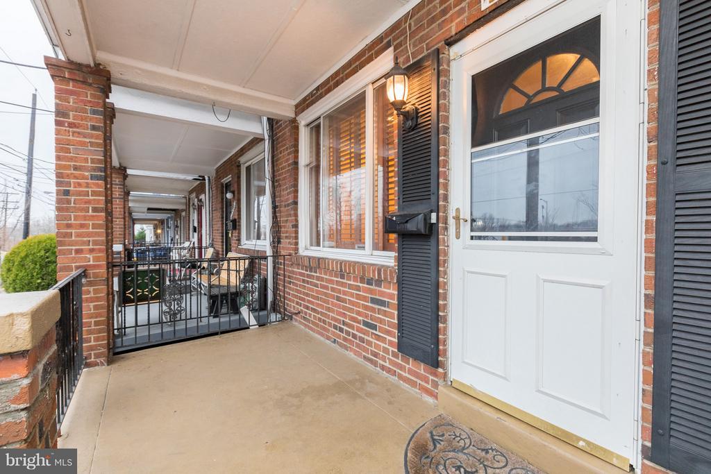 Covered wide porch - 1607 FAIRLAWN AVE SE, WASHINGTON