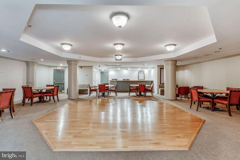 Party Room - 1600 N OAK ST #614, ARLINGTON