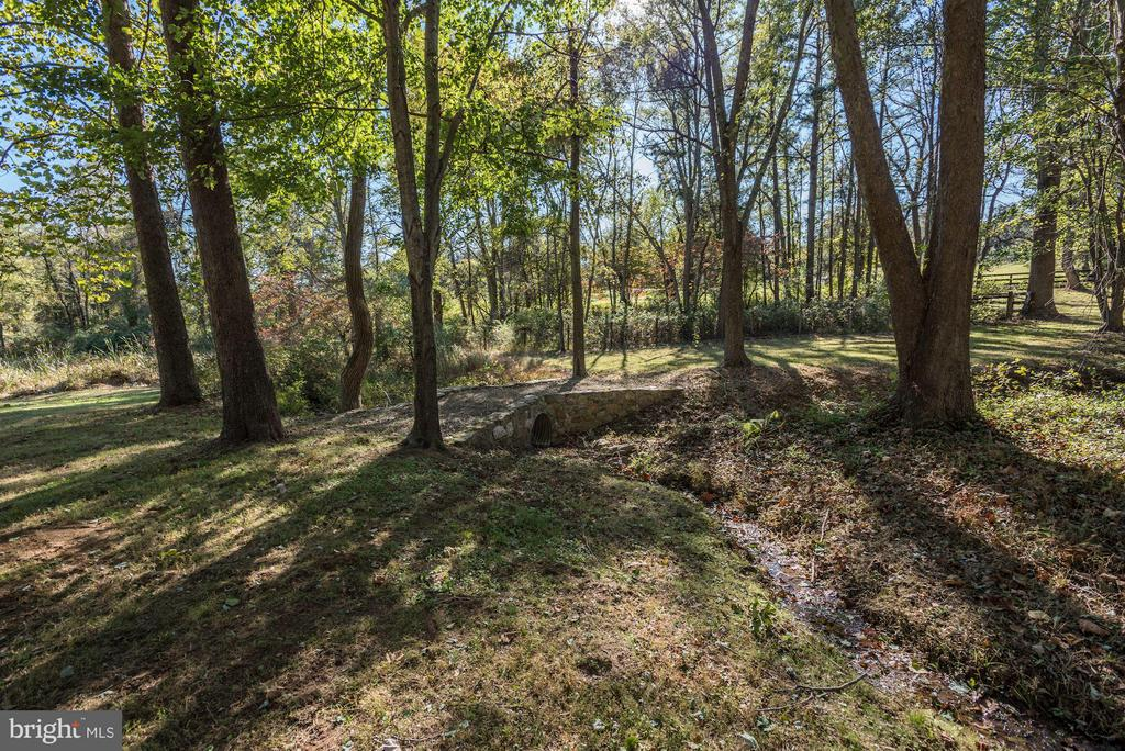 Creek - 18822 WOODBURN RD, LEESBURG