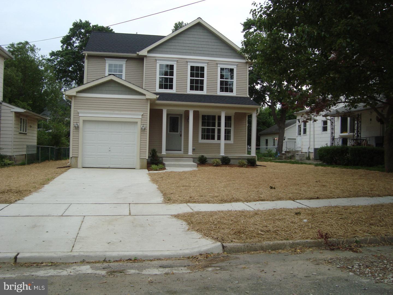 Single Family Homes pour l Vente à Gloucester, New Jersey 08029 États-Unis