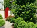 Your Red Gate Awaits! - 6012 GROVE DR, ALEXANDRIA