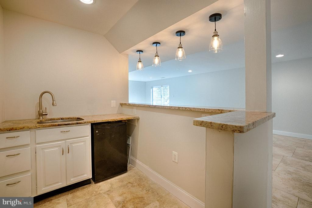 Wet Bar! - 102 BALCH SPRINGS CIR SE, LEESBURG