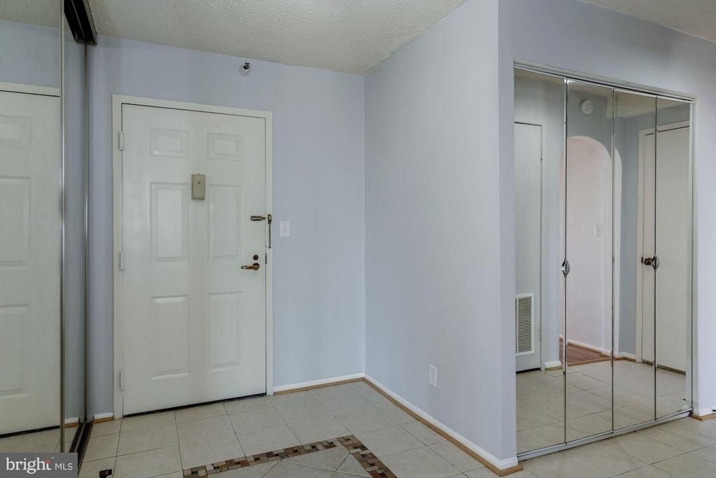 Foyer - 1600 N OAK ST #614, ARLINGTON
