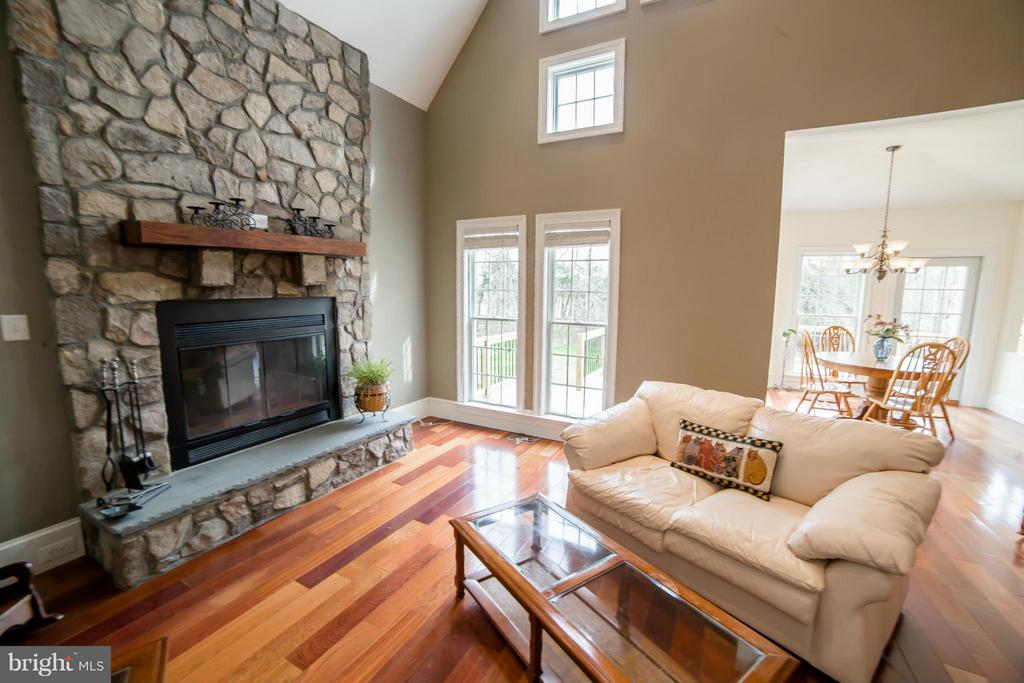 Living Room - 39984 BRADDOCK RD, ALDIE