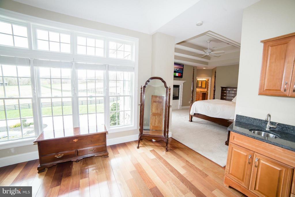 Bedroom (Master) - 39984 BRADDOCK RD, ALDIE