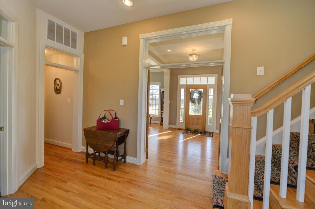 Beautiful Hardwoods throughout! - 38814 BOCA CT, WATERFORD