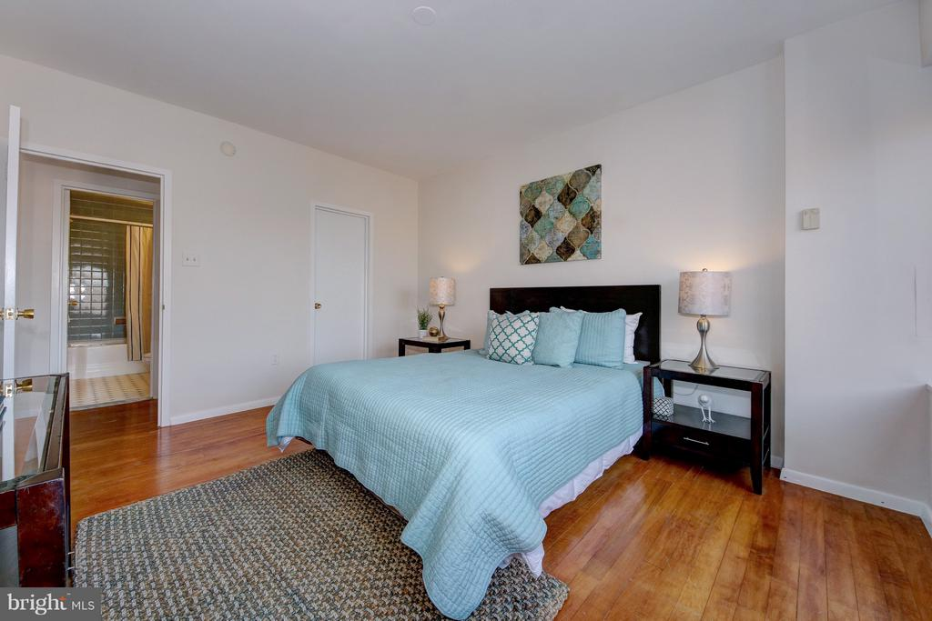 Comfy and Roomy - 4101 CATHEDRAL AVE NW #1205, WASHINGTON