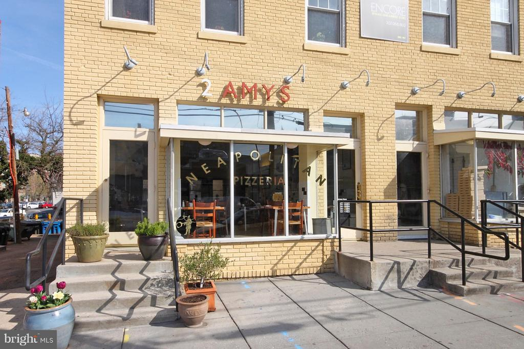 Close to Cathedral Commons Restaurants - 4101 CATHEDRAL AVE NW #1205, WASHINGTON