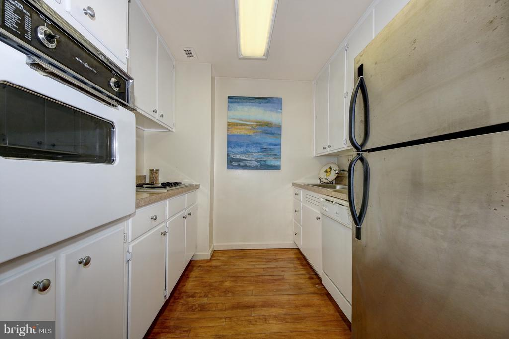 For the Busy Cook or One Who's too Busy to Cook - 4101 CATHEDRAL AVE NW #1205, WASHINGTON