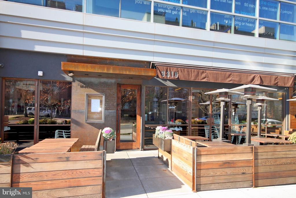New and Trendy Restaurants Too - 4101 CATHEDRAL AVE NW #1205, WASHINGTON