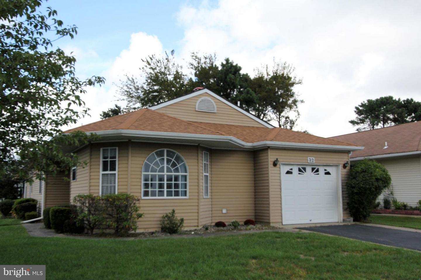 Single Family Home for Sale at 32 OAKENGATES Drive Toms River, New Jersey 08757 United StatesMunicipality: Berkeley