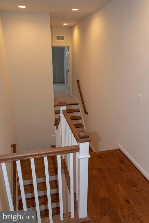 Stairway - 21 SHERMANS RIDGE RD, STAFFORD