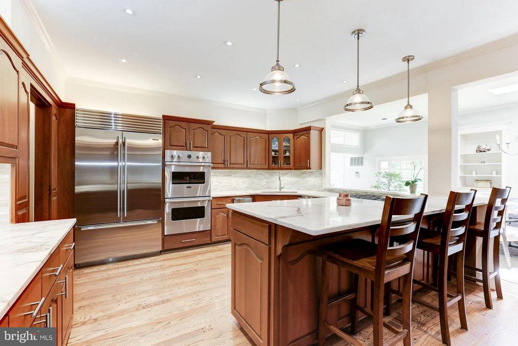 Renovated Kitchen - 1001 MURPHY DR, GREAT FALLS