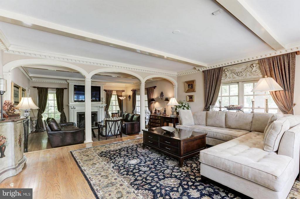 Beautiful  Great Room - 1001 MURPHY DR, GREAT FALLS