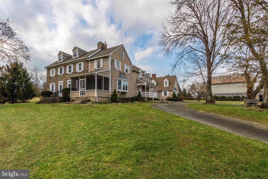 439  BROWNSBURG ROAD, Newtown, Pennsylvania