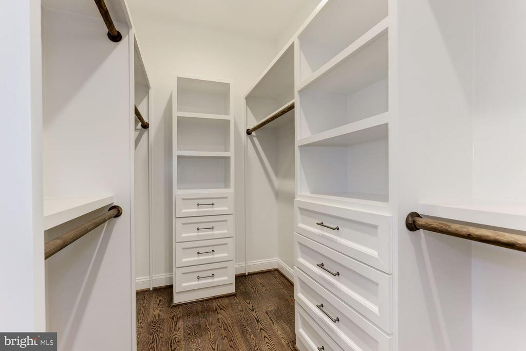 Master Bedroom #1 (of 2) closet (similar) - 6910 SYCAMORE ST, FALLS CHURCH