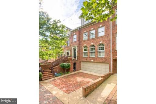 1594 COLONIAL TER