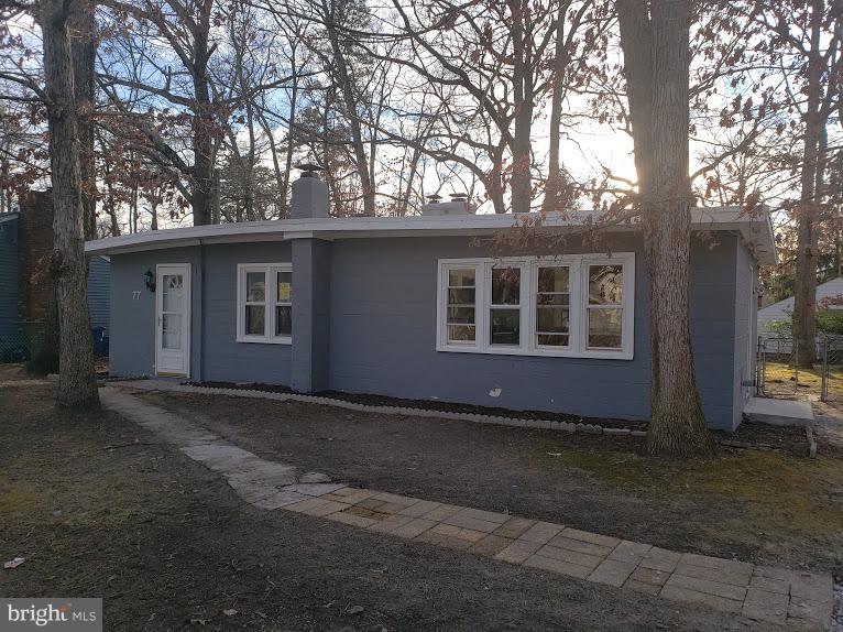 Частный односемейный дом для того Продажа на 77 IRIS Browns Mills, Нью-Джерси 08015 Соединенные ШтатыВ/Около: Pemberton Township