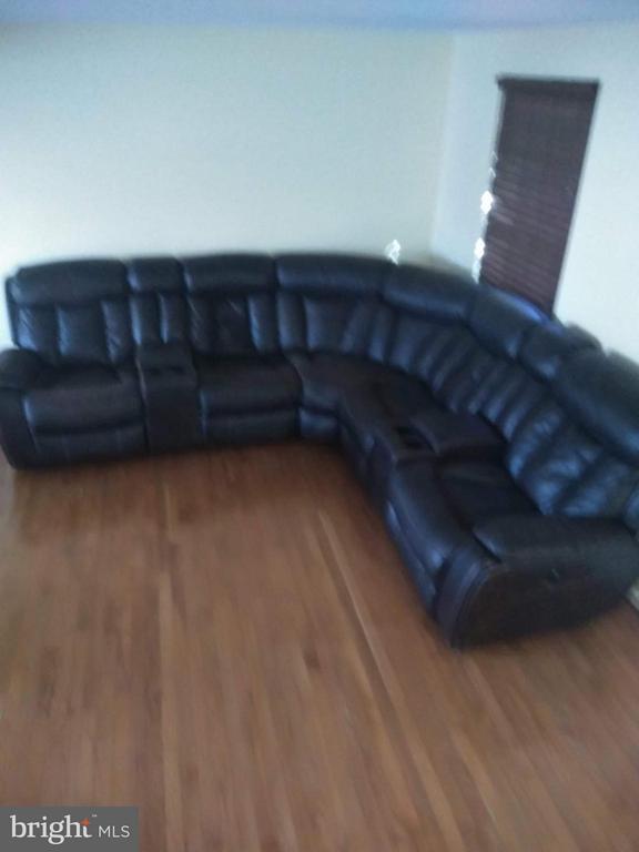 Living Room - 111 N GARFIELD RD, STERLING