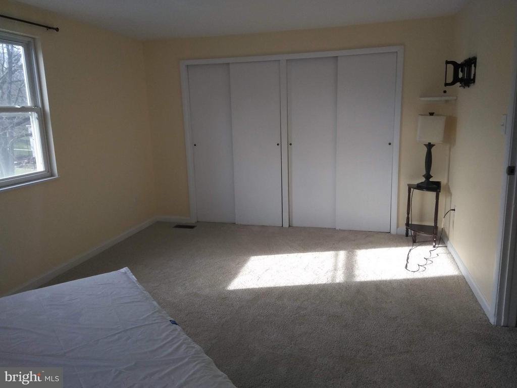 Master Bedroom - 111 N GARFIELD RD, STERLING