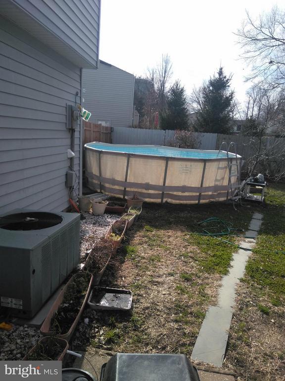 pool - 111 N GARFIELD RD, STERLING