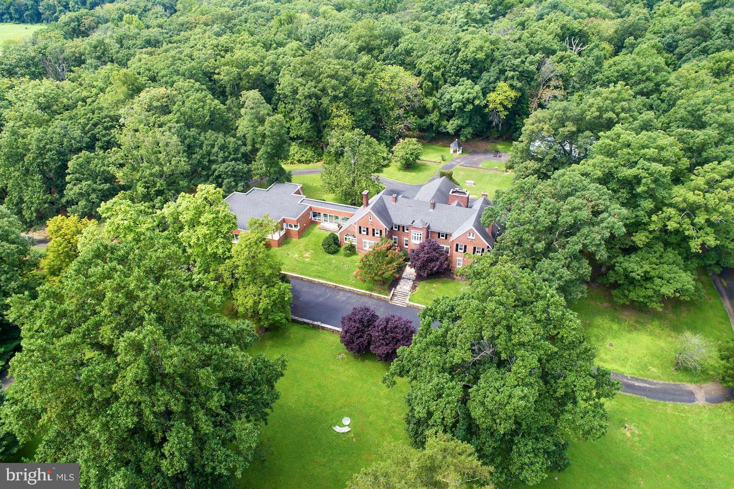 Single Family Homes for Sale at Paeonian Springs, Virginia 20129 United States