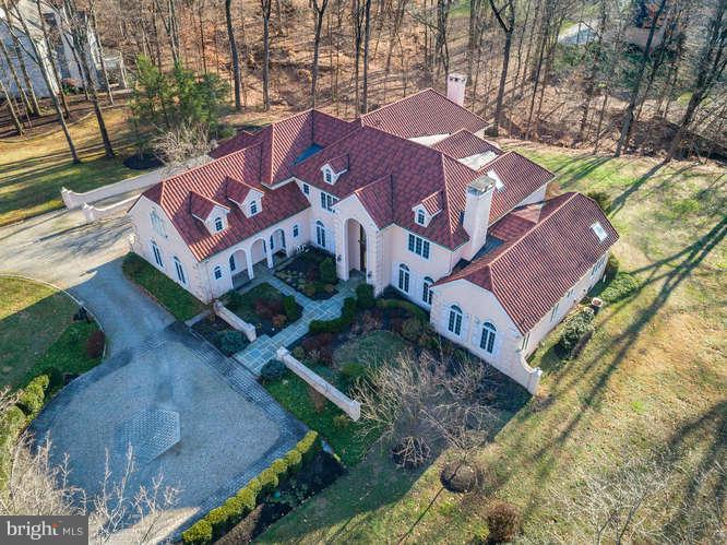 Casa para uma família para Venda às 23 TANGLEWOOD Drive Hopewell, Nova Jersey 08525 Estados UnidosEm/Em torno de: Hopewell Township