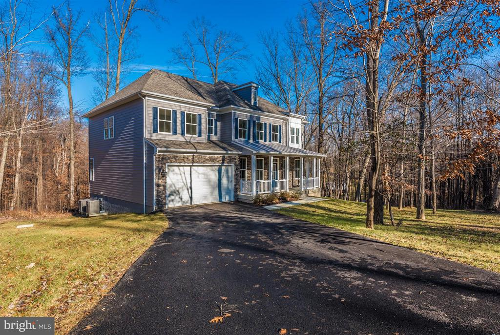 Long driveway for lots of parking! - 7800 OLD RECEIVER RD, FREDERICK