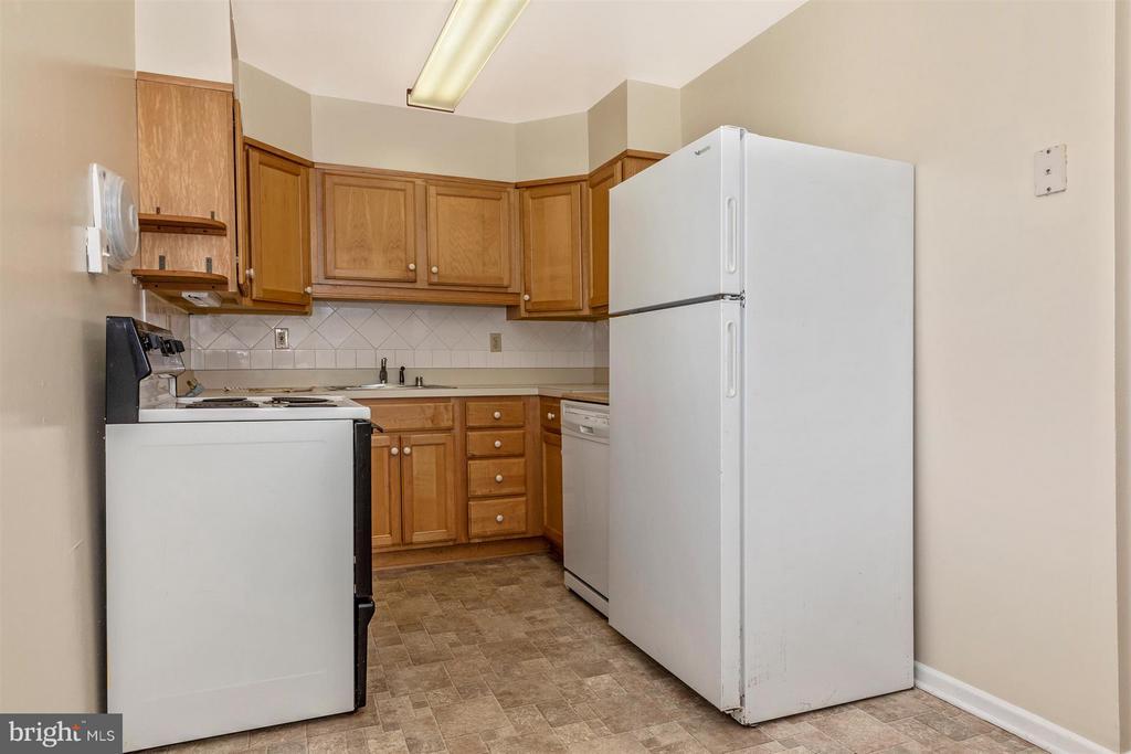 Kitchen - 809 SHAWNEE DR, FREDERICK