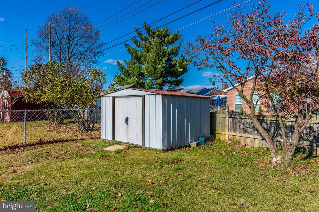 Tool shed to hold your mower & everything else. - 809 SHAWNEE DR, FREDERICK