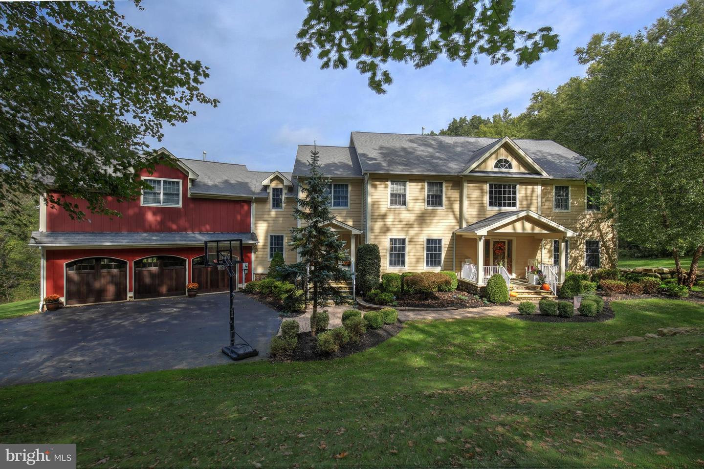Villa per Vendita alle ore 1 LANCE Drive Califon, New Jersey 07830 Stati Uniti