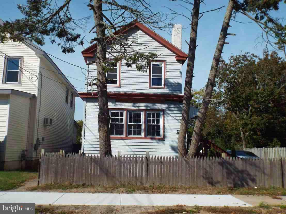 Maison unifamiliale pour l Vente à 27 2ND Street Pleasantville, New Jersey 08232 États-UnisDans/Autour: Pleasantville