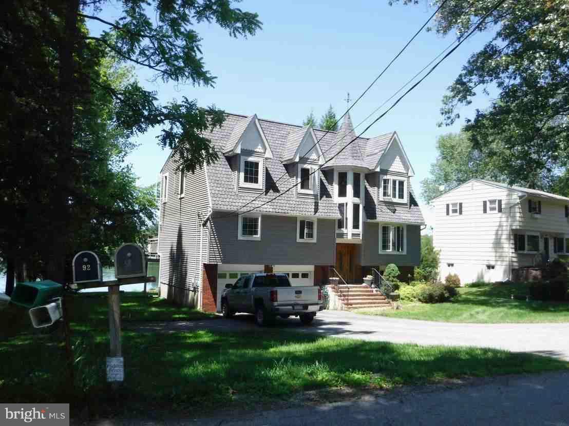 Tek Ailelik Ev için Satış at 91 SHORE Road Andover, New Jersey 07821 Amerika Birleşik Devletleri