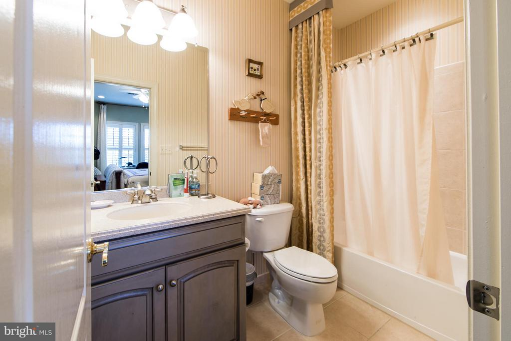 Bathroom 4 - 21813 AINSLEY CT, BROADLANDS