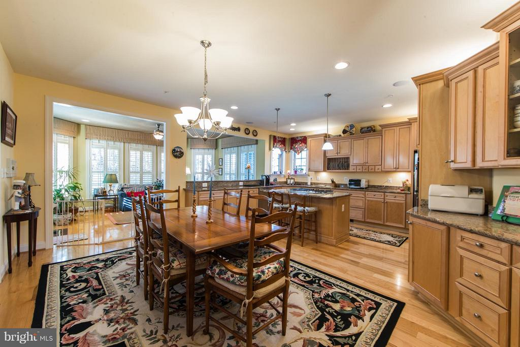 Kitchen with Breakfast room - 21813 AINSLEY CT, BROADLANDS