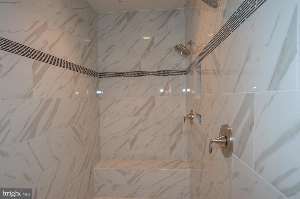 Master Shower - 7824 KENT RD, ALEXANDRIA